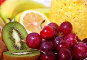 ايُنصح مريض النقرس بتنلول الكرز والأطعمة الغنية بفيتامين سي