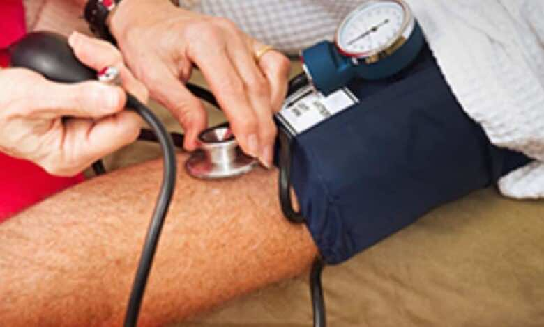 ارتفاع ضغط الدم: ملف كامل عن أحدث توصيات التشخيص والعلاج والتعايش مع المرض