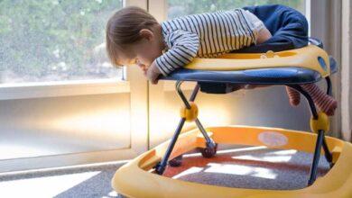 هل تعتبر مشايات الأطفال التقليديةخطراً يهدد نموهم العضلي والحركي؟