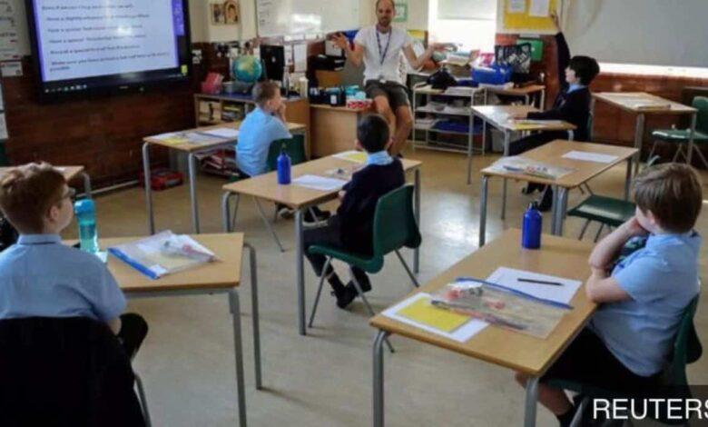 فيروس كورونا والمدارس: كل ما يهم أن تعرفة عن عودة الأطفال للمدارس مع استمرار انتشار الوباء