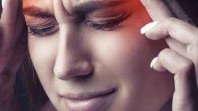 علاج الصداع النصفي: كل ما يهم أن تعرفه عن الطرق الطبيعية واستخدام الأدوية والأجهزة المنزلية