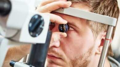 لماذا يجب فحص قاع العين لمريض السكري مرة كل عام على الأقل؟