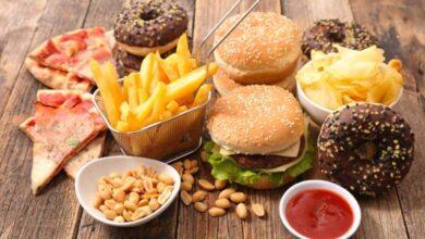 بنك المعرفة (21) | 3 أغذية تأكد ارتباطها بحدوث السرطان.. و5 أغذية أخرى محتملة فما هي؟