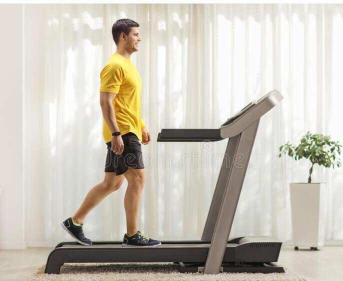 يساعد استخدام تريدميل على ممارسة الرياضة اللازمة للتحسن في حالات فيبروميالجيا