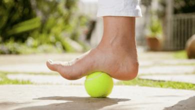 علاج ألم باطن القدم | 4 طرق منزلية و 4 علاجات طبية أثبتت نجاحها - فيزيتا مجانية