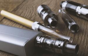 توجد السجائر الالكترونية في أشكال وأحجام مختلفة