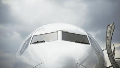 كوفيد-19 | التوصيات توضح درجة أمان السفر بالطائرة لمن تلقوا تطعيم كورونا كاملا