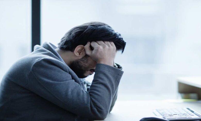 الصداع المصاحب لنزيف المخ   6 أعراض تميزه وتستلزم اللجوء لمستشفى طواريء - نزيف الدماغ