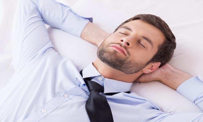ما هو دين النوم Sleep debt و كيف يمكن أن تسدده؟ 4 نصائح للعودة لنومك الطبيعي - اضطرابات النوم