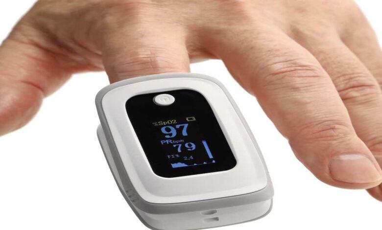 كيف يعمل جهاز قياس الاكسجين بالنبض(جهاز قياس النبض بالاصبع)