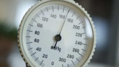 ما هي قراءة ضغط الدم الطبيعي في البالغين؟
