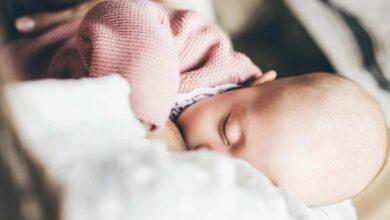 متى يمكن تلقي تطعيم كورونا بعد الولادة و مع الرضاعة الطبيعية؟