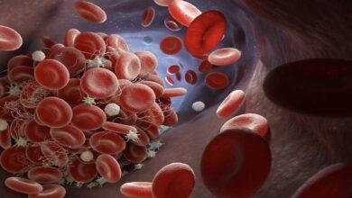 مضاعفات الجلطة الدموية بعد تلقي لقاح استرازينيكا اختفت لهذا السبب