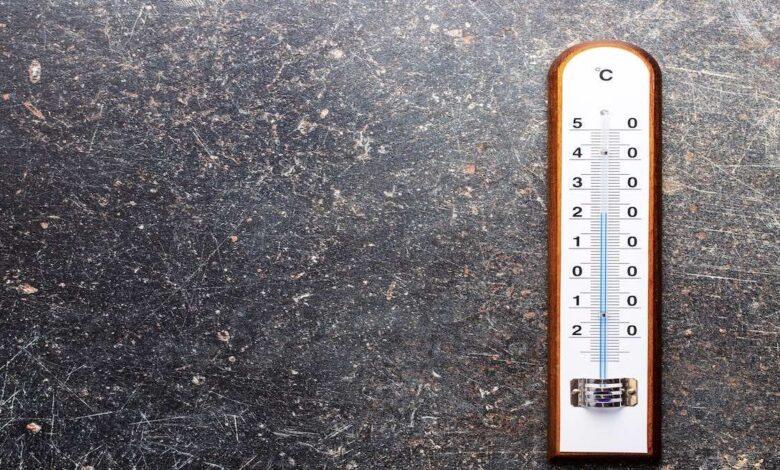ما أقصى درجة حرارة للجو يمكن لجسم الانسان تحملها؟
