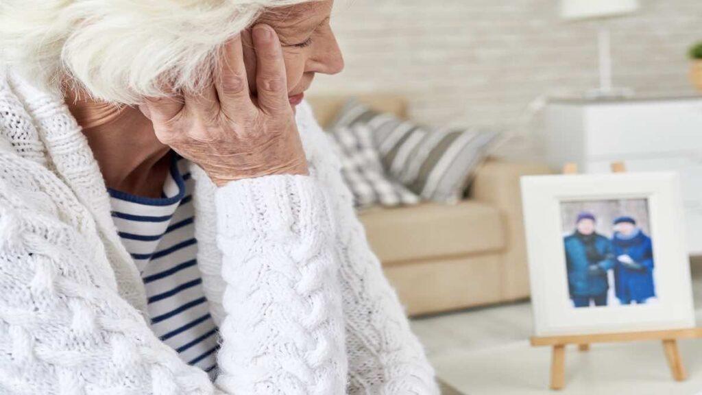 الصحة العالمية تحذر: تزايد مقلق في امراض التدهور العقلي ومنها الزهايمر