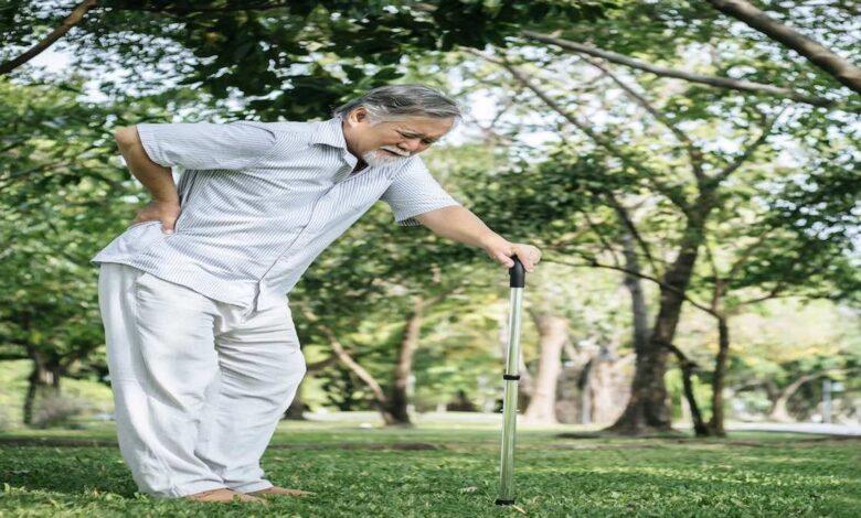 7 حالات تزيد احتمالات هشاشة العظام مع التقدم في العمر
